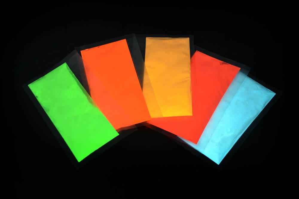 fotoluminiscenční svítící prášek